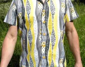 Men's shirt. Yellow African fabric. Short sleeves