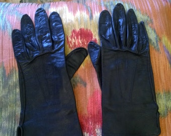 Ladies leather gloves, vintage, black leather, size 6, winter accessories