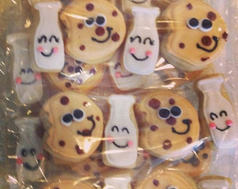 Mini milk and cookies