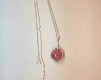 Collar bubble glass, blown glass pendant, glass bulb terrarium micro red ball necklace