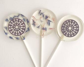 Edible Flower Lollipop - Edible Favor - Wedding Lollipop - Purple Flower - Flower Favor - Edible Lollipop - Lace Lollipops - set of 6