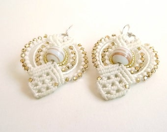 Macrame Earrings In Ivory With White And Gold Beads, Bridal Earrings, White Earrings