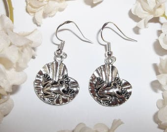 Frog On Lily Pad Earring on 925 Sterling Silver Ear Wires Jewelry Dangle Collector Gift Idea Drop Froggy Present For Her Girl wvluckygirl