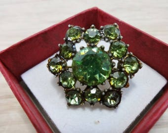 Vintage small brooch green rhinestones  with gift box costume jewelry jewellery