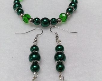 Emerald green bracelet & earrings