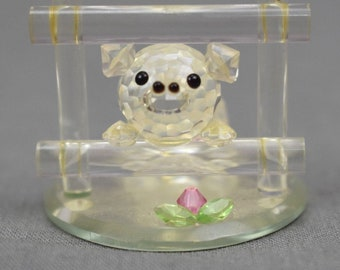Crystal World Wilbur the Pig from Charlotte's Web Some Pig Terrific Radiant Clear Figurine Pink Flower