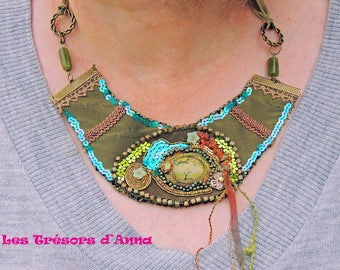 "Breastplate Necklace ""La ballade des Troubadours"""