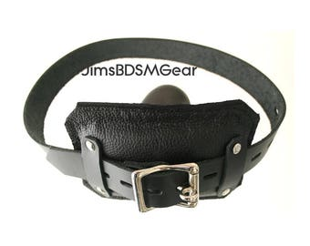 Gag - padded front locking buckle