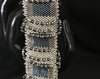 NO 175 Hand Beaded Crystal and Glass Bracelet