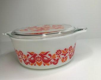 Vintage PYREX friendship pattern 475 casserole dish