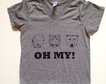Kids OH MY! V-Neck Tee/wizard of oz