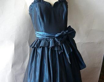Vintage Gunne Sax Petticoat Dress / size 4 5 6 / Cold Shoulder Corset Bodice / Irradecent Blue Evening / Jessica McClintock