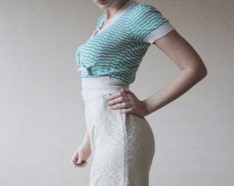 Vintage off white baroque style high waist knee length brocade pencil skirt M