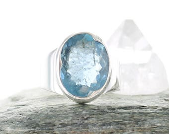 Aquamarine silver ring. Size 6.75 . Natural stone. Gemstone ring. Blue Beryl ring. Aquamarine AAA. Aquamarine Engagement ring. Free shipping