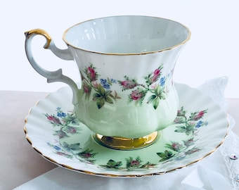 Royal Albert Tea Cup, Tea Roses, Tea Set, English Teacups, Pink Roses, Green Tea Cup and Saucer