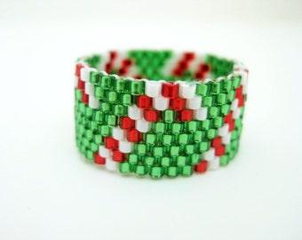 Candy Cane Ring / Christmas Ring / Peyote Ring / Beaded Ring / Seed Bead Ring / Beadwork Ring / Size 7 Ring / Delica Ring / Peyote Band