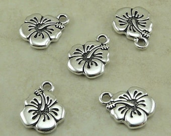 5 TierraCast Hibiscus Flower Charms > Tropical Hawaiian Floral Leii - Silver plated Lead Free Pewter - I ship Internationally 2307
