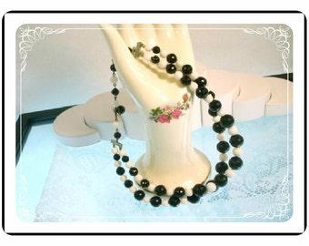 Vintage Black & White Lucite Bead Double Stranded Necklace   Neck-1256e-082912006