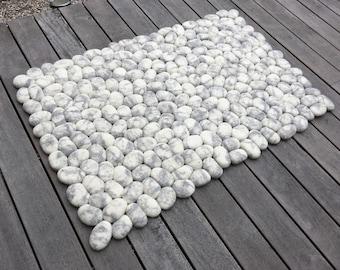 Felt stone rug grey/white marble