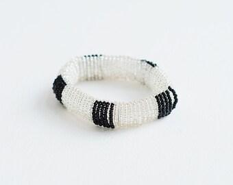 bracelet perles de verre /blanc et noir/ fait main/ reversible