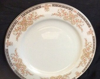 "ON SALE Set of 4, Norleans DUCHESS Dinner Plates Dinnerware Made in Japan Excellent Condition 10 1/4"" in diameter"