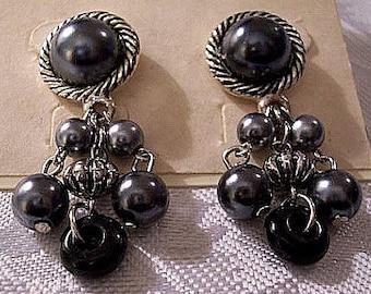 Black Pearl Cluster Pierced Stud Earrings Silver Tone Vintage Tacoa Triple Dangle Beads Large Domed Twisted Rimmed Edge