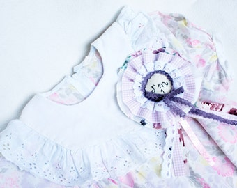 Birthday brooch, I am one, birthday rosette, Birthday badge for girls, felt, fabric, embroidered, Baby girl birthday, handmade