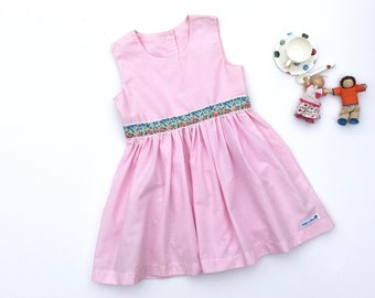 Girls dress in pink gingham | Size 4 | Summer dress