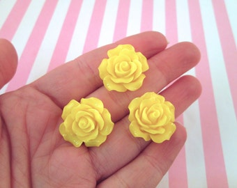 10 Yellow Rose Cabochons 20mm