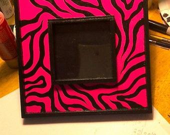 Pink/black wooden picture frame decor