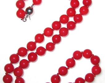 7.5 mm Round Red Coral Necklace -nk-cr2
