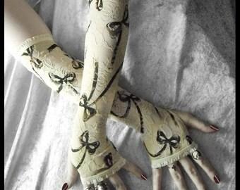 Audrey Lace Arm Warmers - Ivory Cream & Black Bows - Gothic Victorian Vampire Regency Tribal Fusion Bellydance Steampunk Wedding Austen Noir