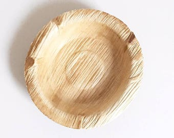 Natural wooden plate table decoration
