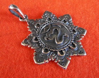 Balinese sterling Silver Om Mantra pendant charm / silver 925 / Bali