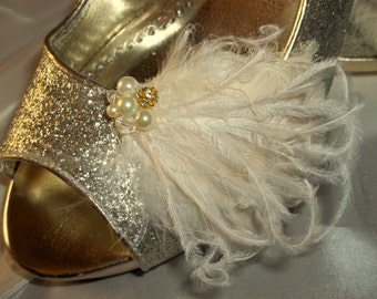 Wedding Bridal Feather Shoe Clips, Feather SHoe Clips, Bridal Shoe Clips, Wedding Shoe Clips,Ivory Shoe Clips for Wedding Shoes Bridal Shoes