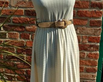 Vintage retro 1970s poly pleated sun dress