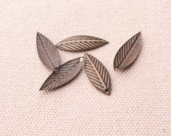 20pcs Leaf Stampings Charms Leaf Shape Embossed Antique Brass Charms Pendants 23*8mm