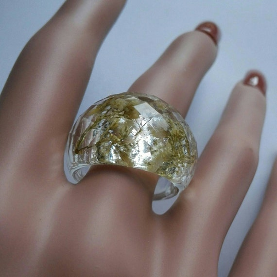 Resin ring eco resin ring real flower ring crystal Ethical jewelry Nature ring woman White clear ring Big faceted statement ring gypsophila