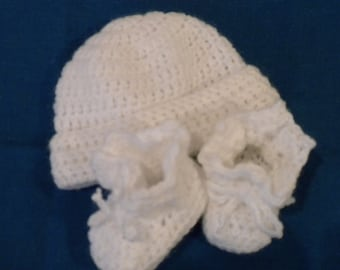 Snow White Layette crochet cap and booties