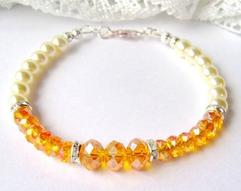 Topaz crystal and ivory pearl bracelet / November birthstone / Christmas gift / yellow crystal bracelet / gift for her / best friend gift