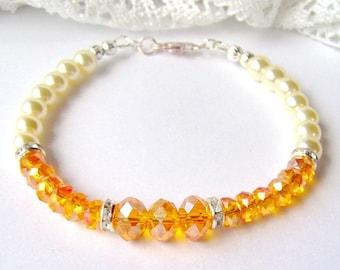 Topaz crystal and ivory pearl bracelet / November birthstone / Christmas gift / yellow crystal bracelet / gift for her / best friend gift