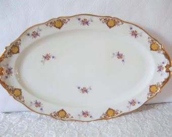 Limoges oval serving platter White with flower pattern and gilding, MT Nicolas- Plat de service