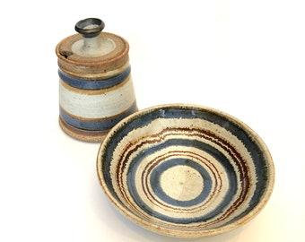 Vintage Studio Pottery Bowl // VTG Stoneware Bowl // Handmade Pottery with Space Dye Pattern