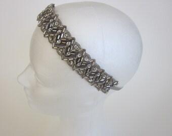 1920s gray headband, silver headpiece, great gatsby headpiece, flapper headband, elastic headband, flapper Art Deco titanic beaded