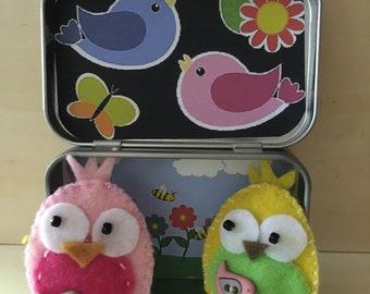 Altoids tin, pocket toy, felt finger puppets, little birdies