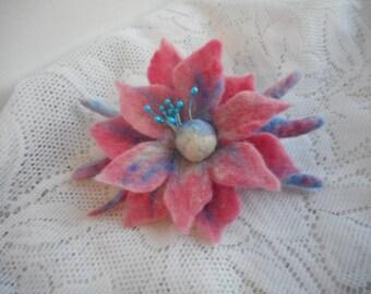Felt brooch,blue pink felt brooch flower,felt flower brooch,hair accessories,wool jewelry,hair clip brooch,Flower,green pink wool flower pin