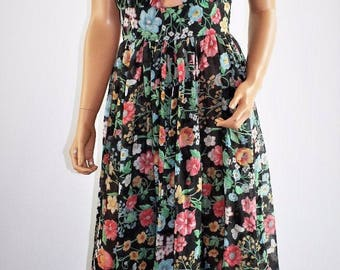 Vintage 70's Floral Peekaboo Halter Hippie Boho Peasant  Maxi Dress Size Small