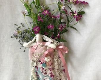 VINTAGE QUILT Bunny Bag Door Wall Hanging Floral Design