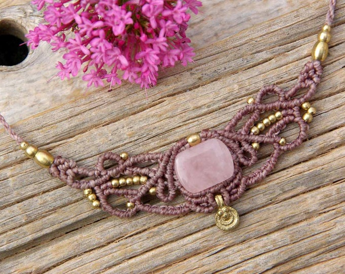 Macrame necklace Mod. CLari, with ROSE QUARTZ, talisman necklace, yoga necklace, amulet stone, talisman, goddess necklace, nickel free