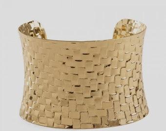 Gold bracelet Base for garnish.